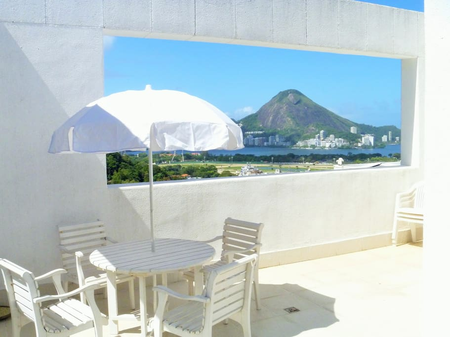 Big verandah with view to Lagoon and Christ the Redeemer statue on one side