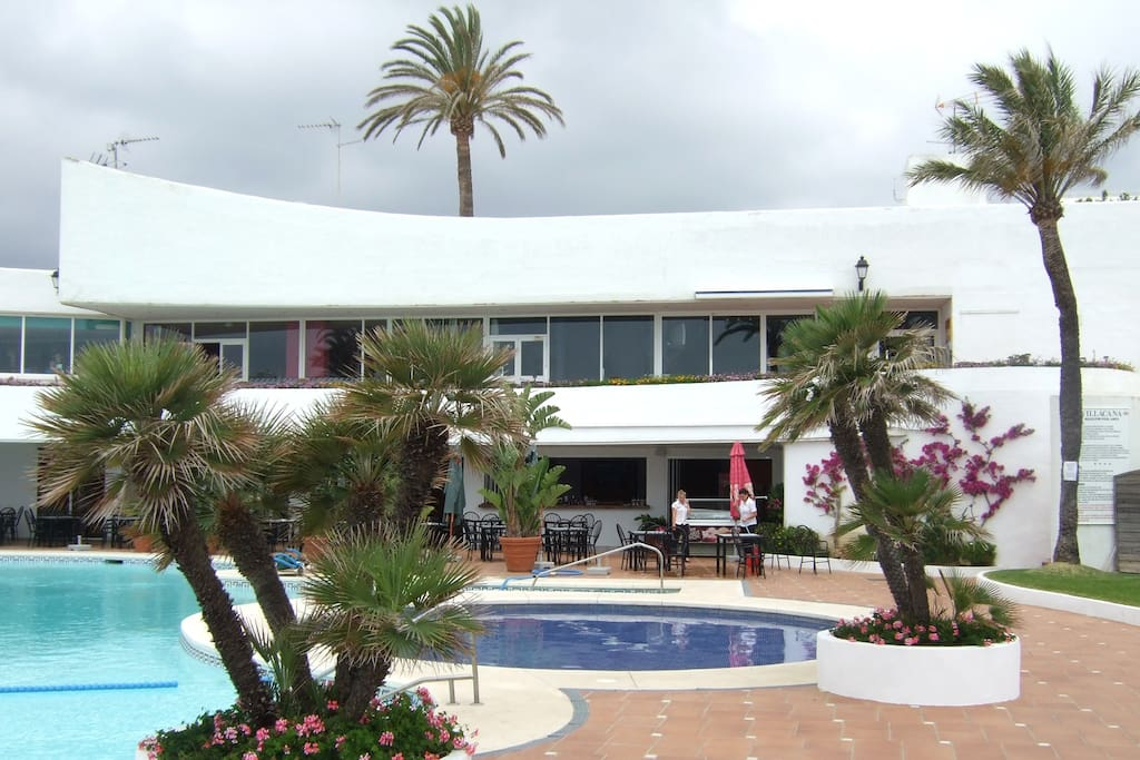Large swimming pool near the beach and Club house