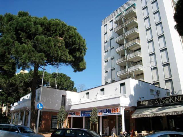 NEAR THE BEACH WITH TERRACE - Lido degli Estensi - Wohnung