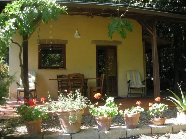 Gemütliches Ferienhaus mit Zeltplatz