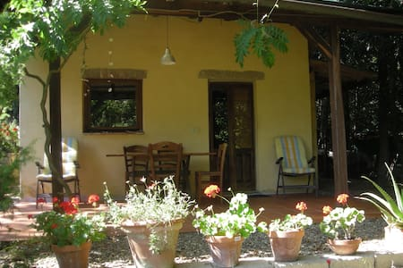 Gemütliches Ferienhaus mit Zeltplatz - Sassofortino - Guesthouse