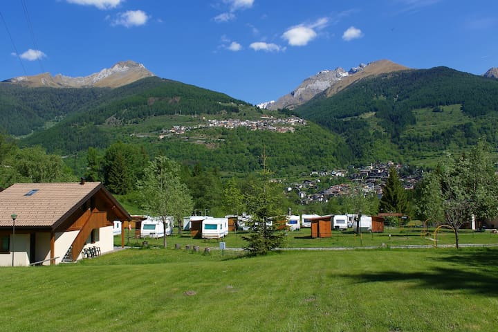 Chalet in camping village alpino - Temù - Apartment