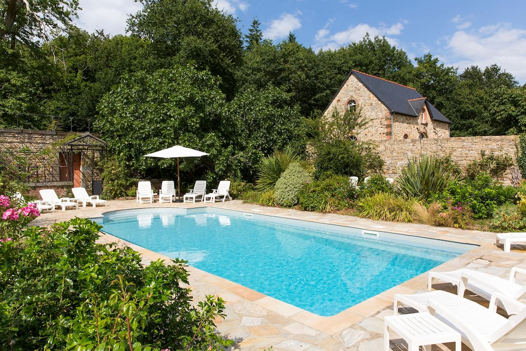Lovely house in french brittany maisons louer for Piscine combourg