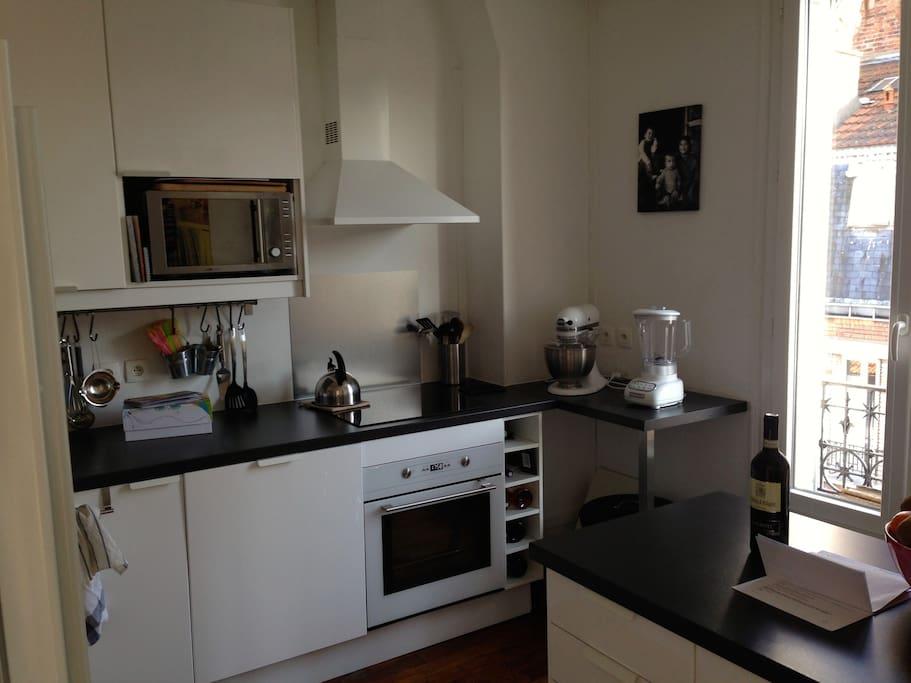 Cuisine équipée de 10 m2 avec Frigo US