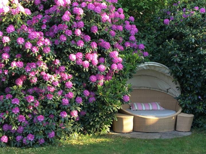 Cozy designed house with garden in Klein-Flottbek!