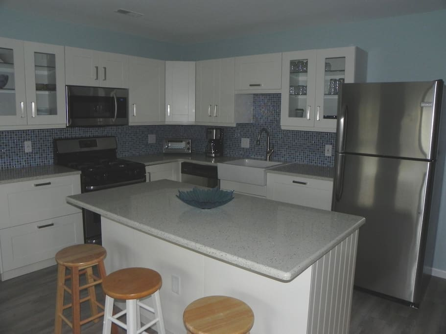 Updated kitchen with brand new appliances