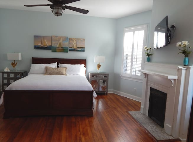 Awesome stunning 1890 historic 3BR - Savannah - Huis
