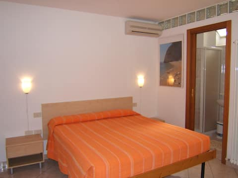 Sirolo Room, TV, Air conditioning