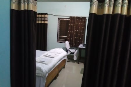 Deluxe Room Near Temples Airport Station 1AC2