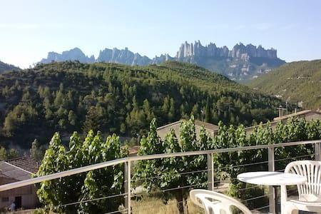 Hab. casa con vistas a Montserrat - Marganell