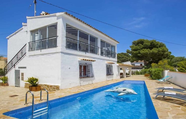 Villa Los Leones - Villa with private pool close to the beach in Calpe