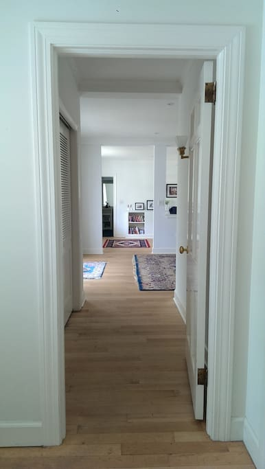 Guest suite entryway