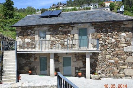 Casa Avô Zé Maria - Candal