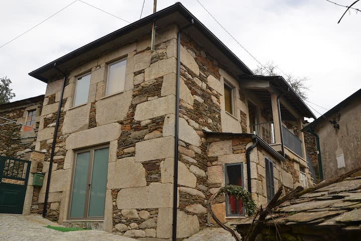 Casa da Quelha - Candal - Villa