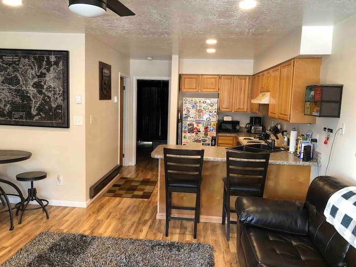 Have fun at Pineview Reservoir condo close to pool