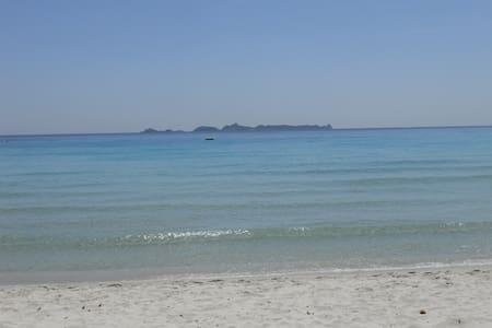 Cala Pira, villino a 50 passi dalla spiaggia