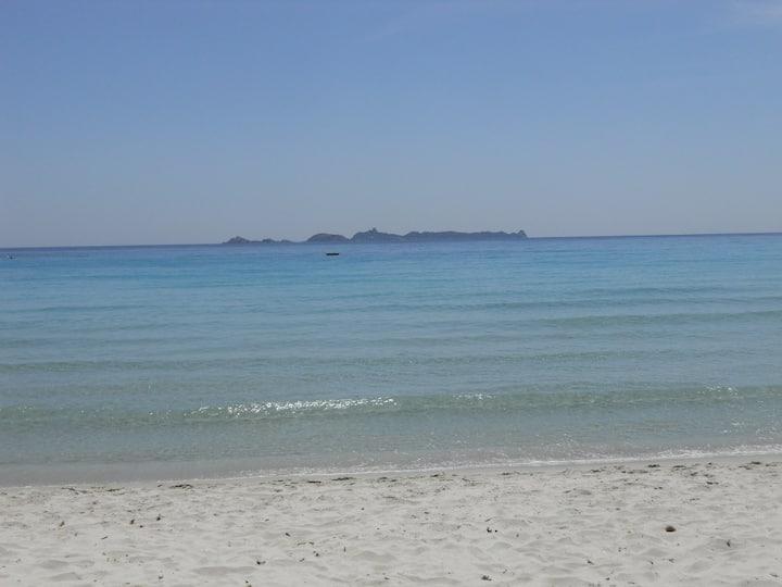 Cala Pira, villino piens dans l'eaux