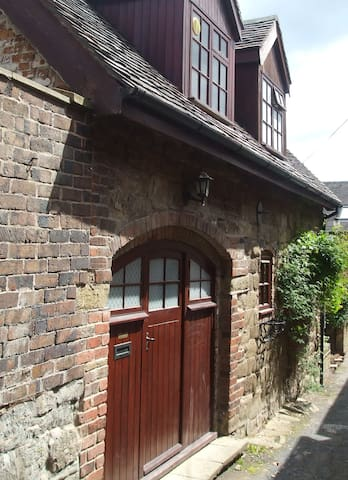 The Coach House in Barn Lane - Church Stretton - House