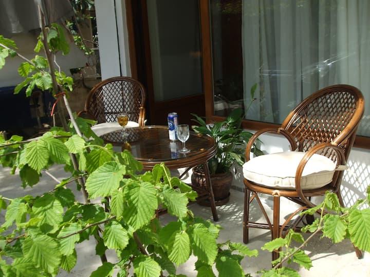 Stüdio Apr.2  with garden + kitchen