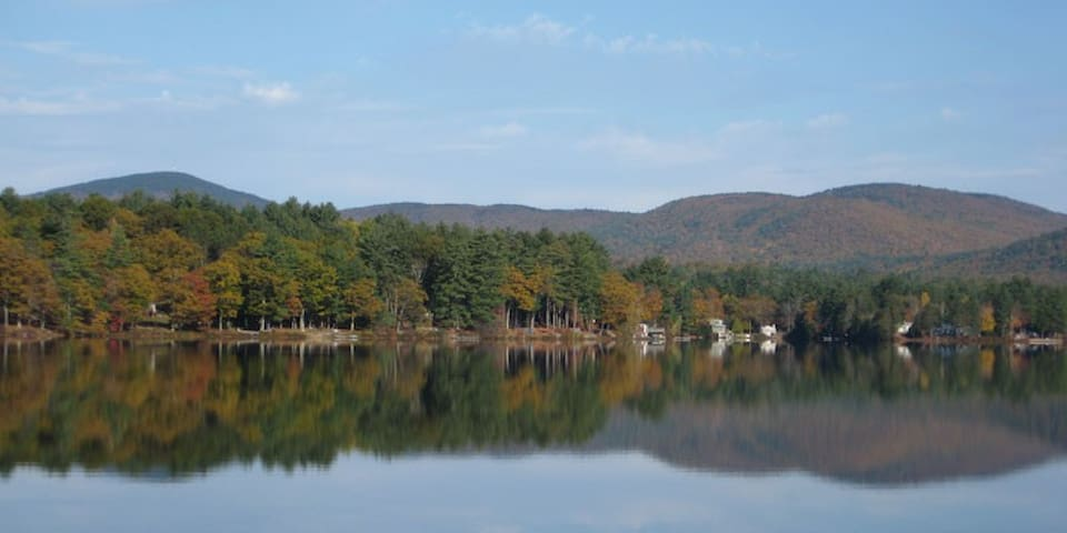 New Hampshire 4-season Lake Home - Gilmanton - Chalet