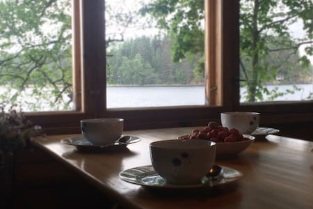 Cosy lakeside hideaway with Finnish sauna - Orivesi - Stuga