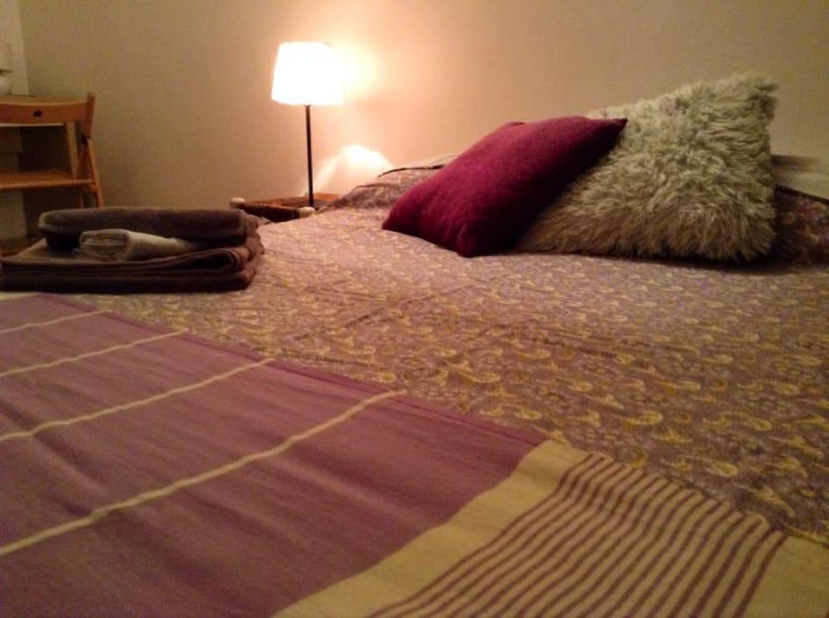 Additional bedroom photo (2)