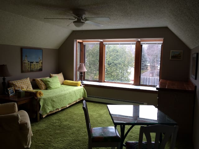 2 Room Suite, In Town, Leland - Leland - Casa