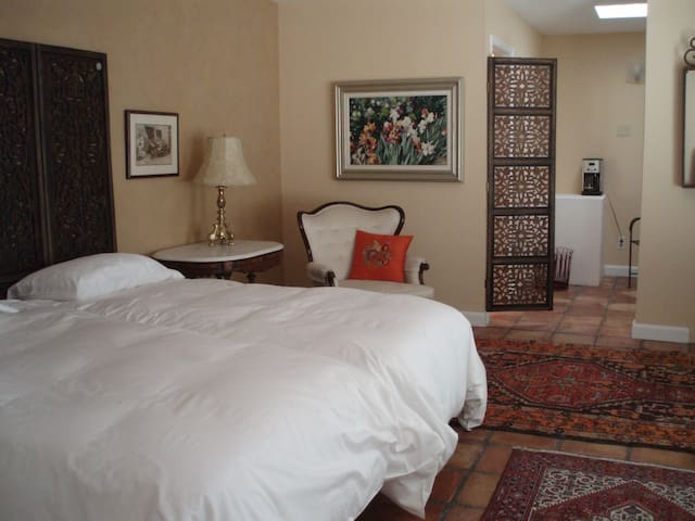 Cozy en suite room,private entrance - Albuquerque - Hus