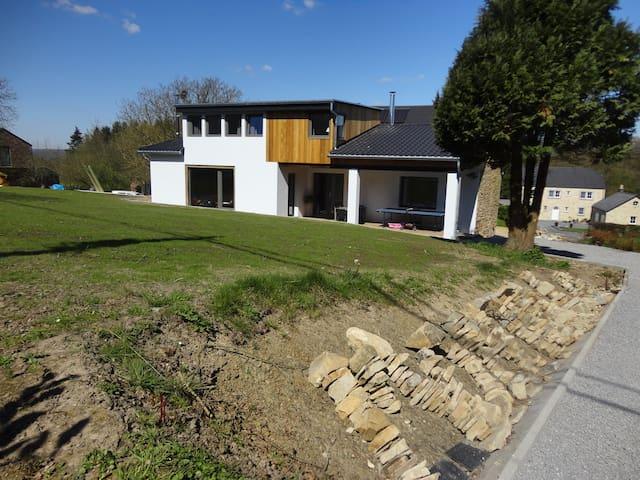 Gîte MontBleu 'La Laiterie' 8P - Sprimont - House