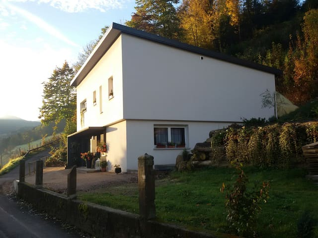 Entre Vosges et Alsace. - Lapoutroie - Rumah Bumi