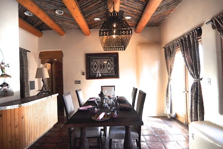 Historic pink adobe apartment - Santa Fe - Byt