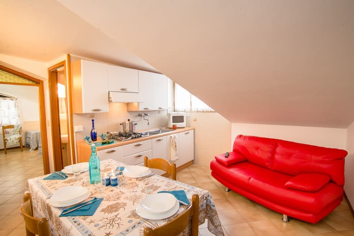 Centrally Located Attic 3/4 People