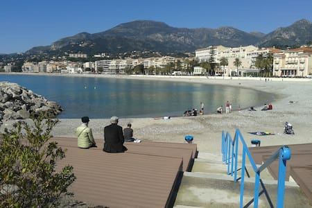 Menton centre Magic flat! free wifi
