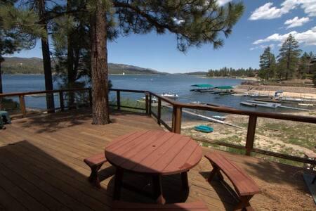 Nancy's Lakefront Mountain Retreat - Lac Big Bear