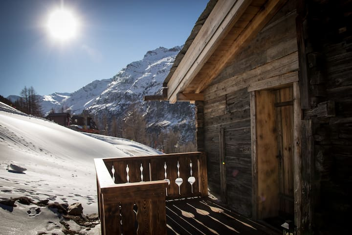 Chalet Furggstalden - Ski In, Ski Out Property - Saas-Almagell - Apartment