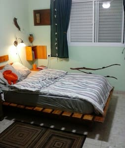 Nice apartment. 2bd. Parking&garden - חדרה