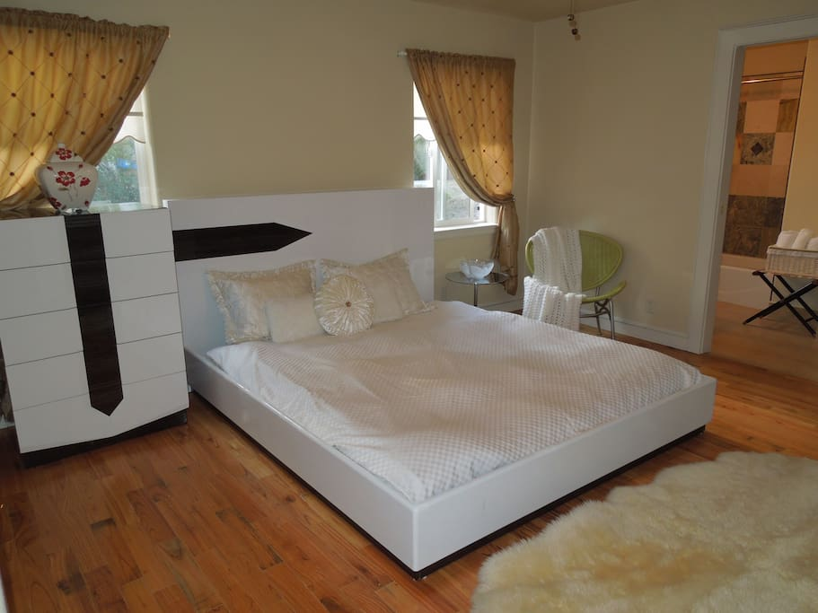 Master bedroom. Simmons Cal King firm mattress. Photo 1