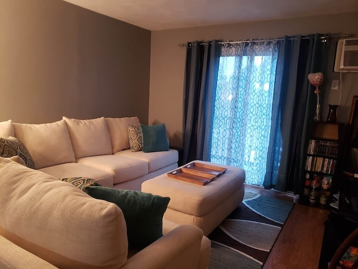 Great private room in two bedroom condo apartment