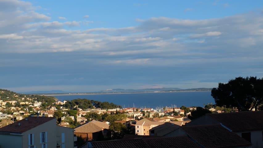 T2 vue mer calme, proche port plage