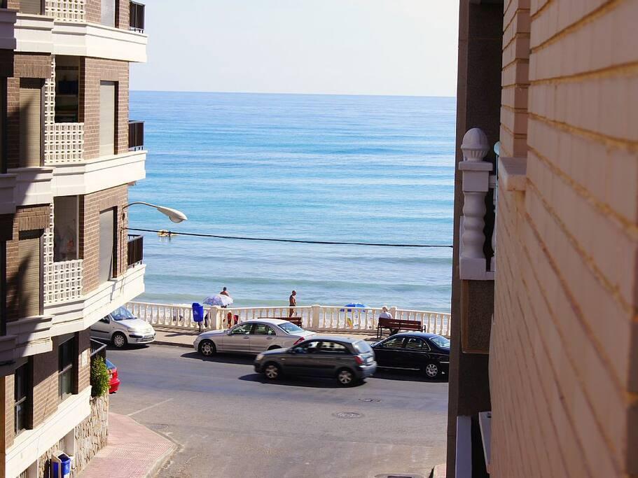 Vista a la playa desde la terraza
