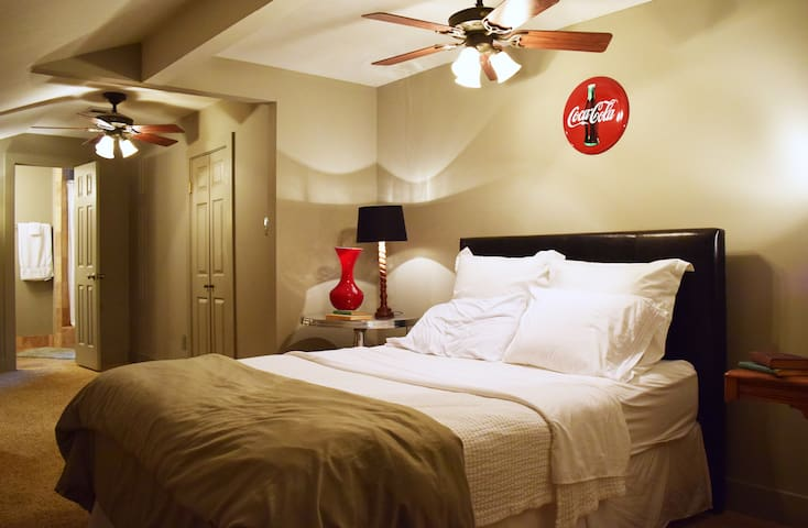 Clean, comfortable, & classy condo