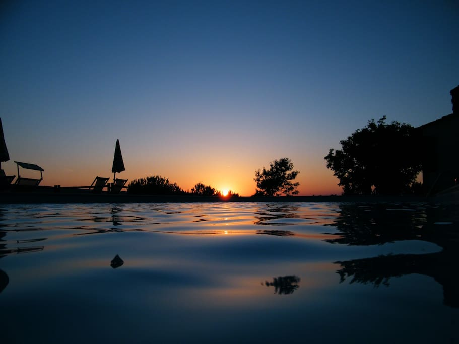 One of the amazing sunset at the swimming pool. Every day a different sunset with different colors.