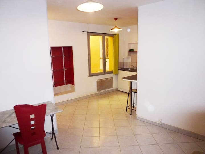 Studio centre historique Narbonne