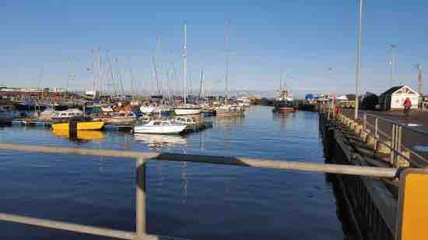 Modern Self Catering Beach Side Holiday Let, Nairn