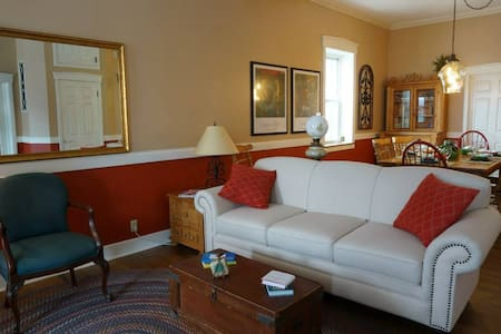 The Frenchtown Inn - Saint Charles - Bed & Breakfast