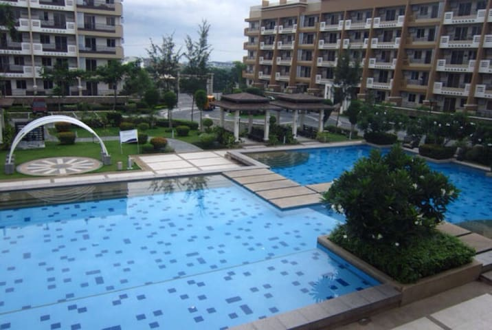 Unit @ Cedar Crest @ Acasia,Taguig - Taguig - Apartment