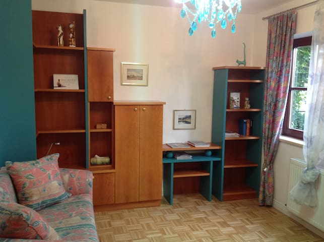 Gästezimmer mit Ausziehsofa