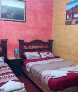Hotel Dionisio Inn - Antigua Guatemala - Bed & Breakfast
