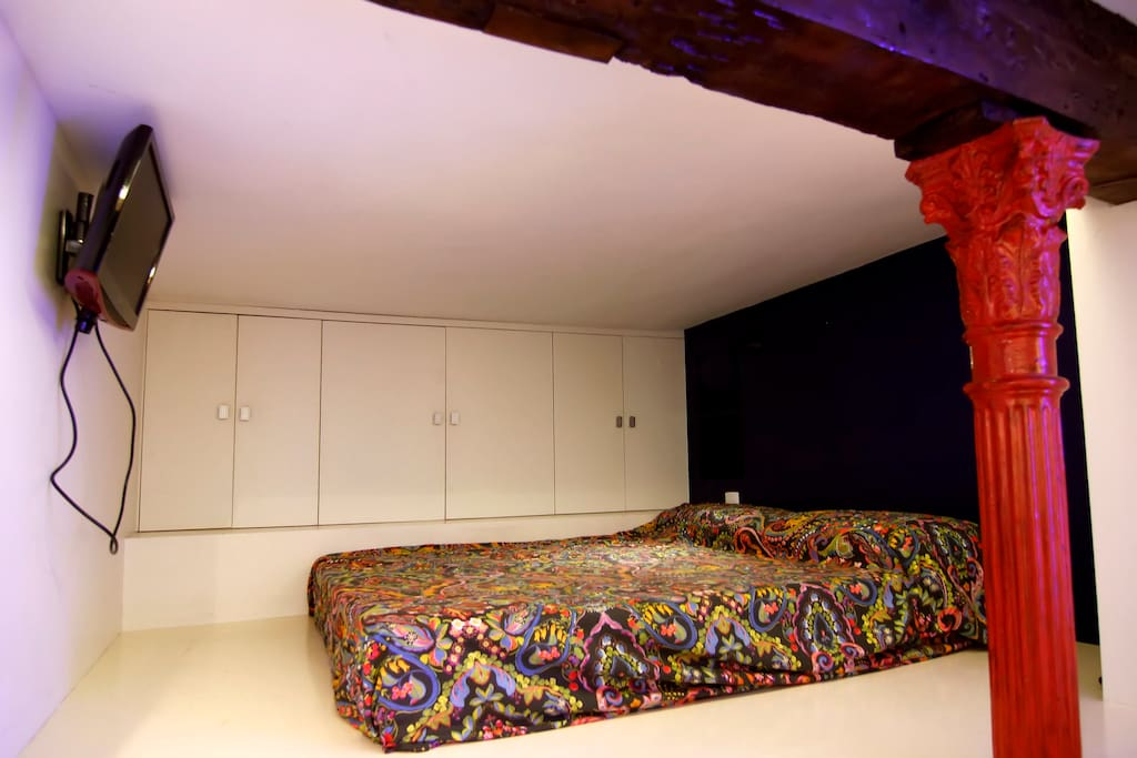 Altillo con cama de matrimonio Mezzanine with double bed