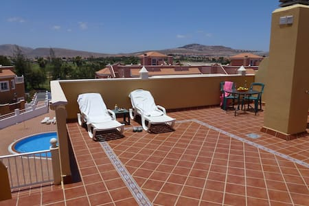Stunning 2 Bedroom Apartment with lovely Balconies - Antígua - Apartamento